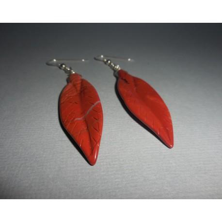 Boucles plumes en jaspe rouge